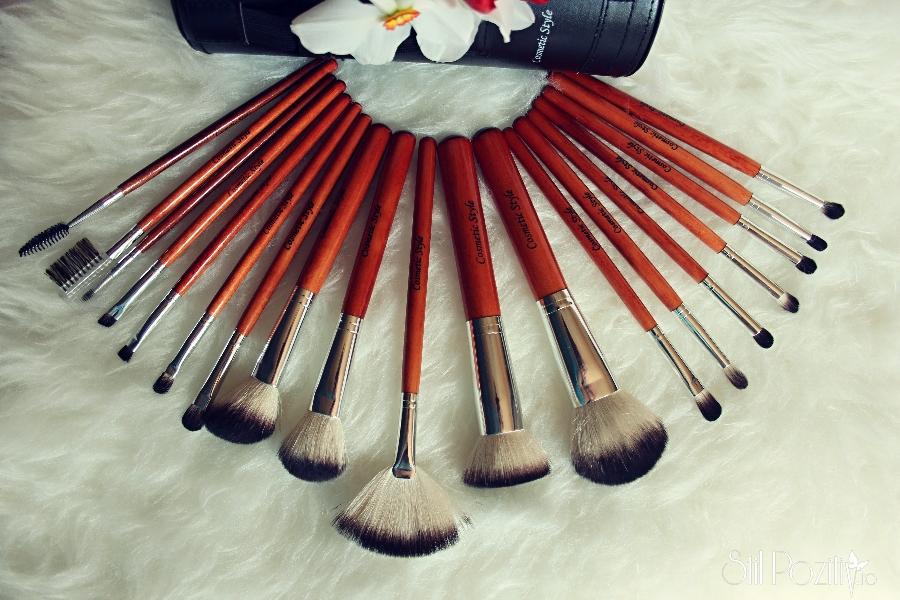 trusa-pensule-machiaj-cosmetic-style6.jpg